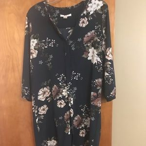 Dresses & Skirts - Green floral shift dress